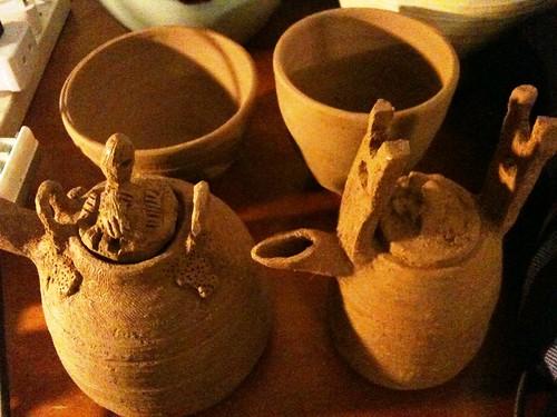 100518_teapots