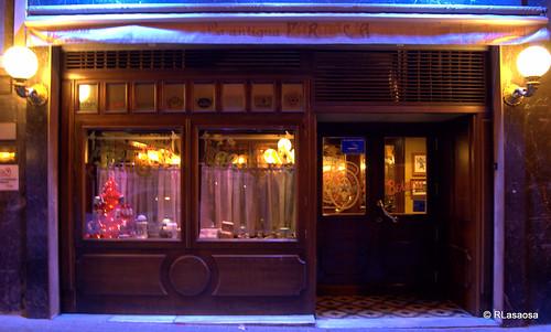 """Bar Cafetería """"La Antigua Farmacia"""", en la calle García Castañón"""