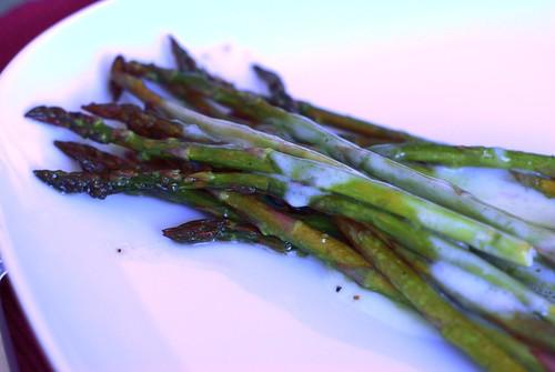 Roasted asparagus with lemon beurre blanc sauce