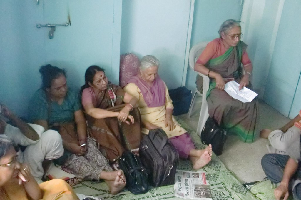 Pics from the satyagraha - 14 Oct 2010 - 2