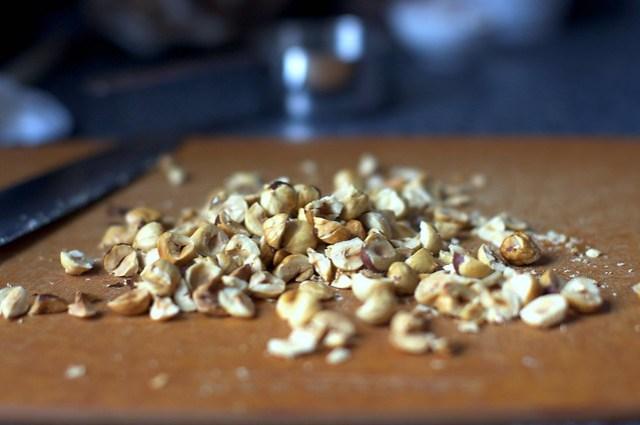 toasted, chopped hazelnuts