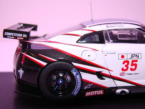 EBBRO NISSAN GT-R GT1 2009 SILVERSTONE (7)