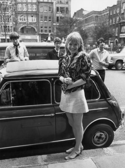 Marianne Faithfull & her Mini Coop