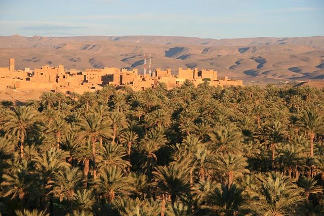 Quédese en la casa de una familia marroquí en el pueblo bereber de Nkob