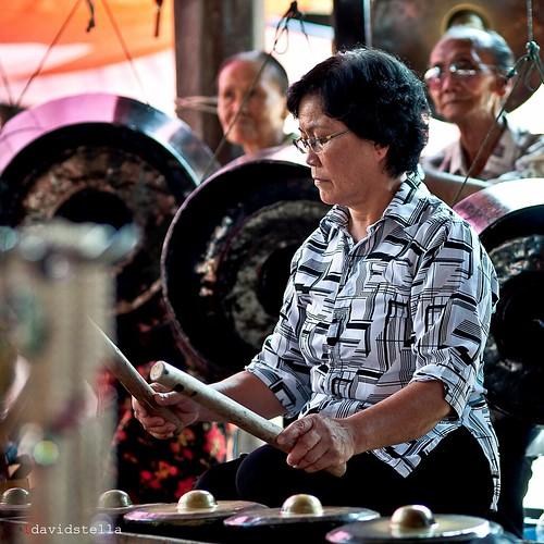 ethnic sounds at tamu donggongon (III bw)