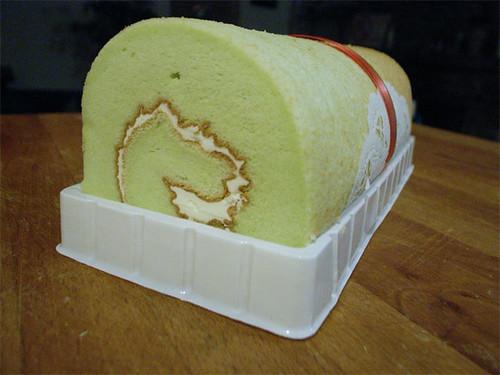 Green tea cake log