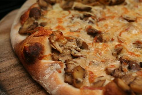 Mushroom & Smoked Cheese Pizza