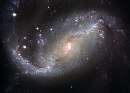 http://commons.wikimedia.org/wiki/File:NGC_1672_HST.jpg