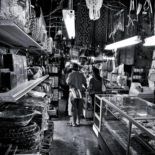 handicrafts at the filipino market