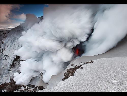 aswolk vulkaan ijsland