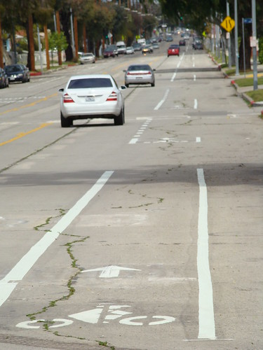 Bike Lanes on Hoover