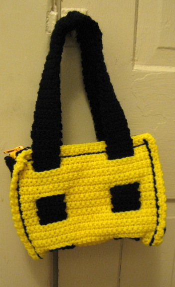 zippered bag front