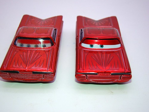 Disney CARS ransburg and regular hydraulic ramone comparison (4)
