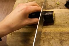 Sylwia cutting sushi