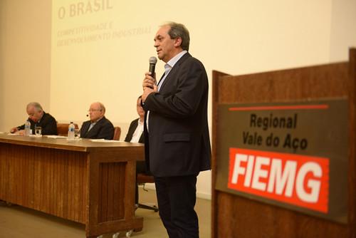 Luciano Araújo.