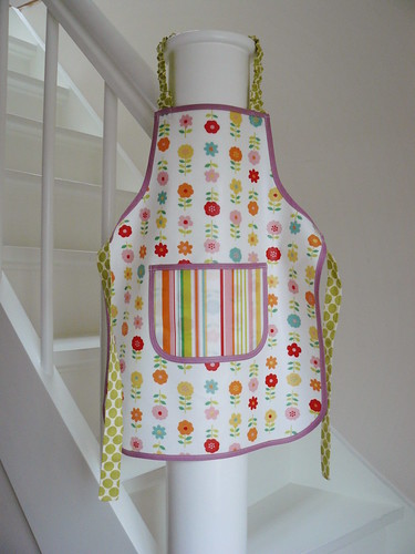 Oilcloth apron for Frida
