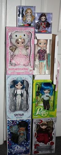 124/365 NRFB Dolls