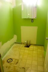 bathroom sans fixtures