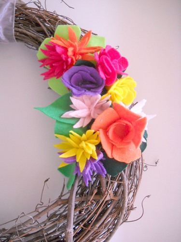 Spring Felt Flower Wreath Tutorial