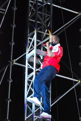 Wyclef climbing