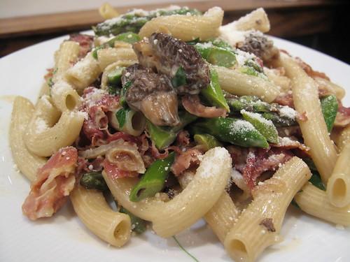 rigantoncini w morels, asparagus, shallots & prosciutto in a cream sauce