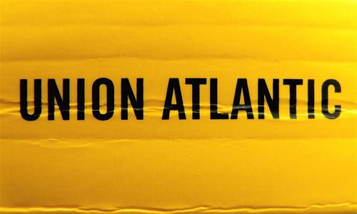 Adam Haslett, Union Atlantic, Einaudi sl 2010, progetto grafico di Riccardo Falcinelli, alla cop.: ©Mary Evans / Archivi Alinari: dorso (part.)