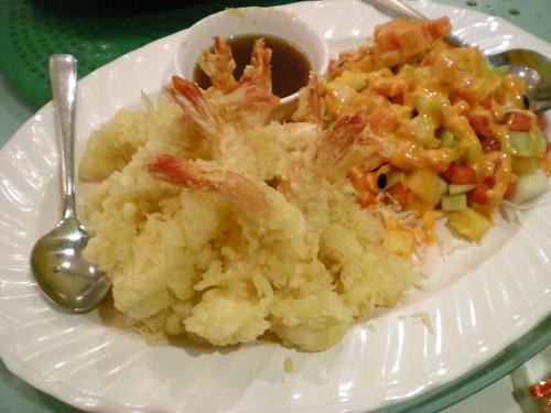 Tempura prawns & salad