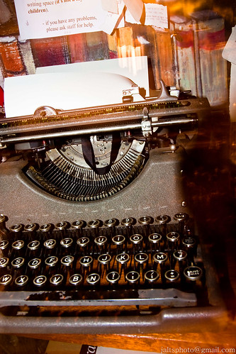 Typewriter in Shakespeare & Co.