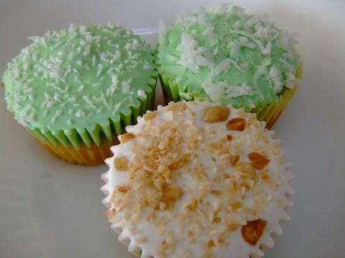 Variations of Bánh Bao Chỉ Cupcakes