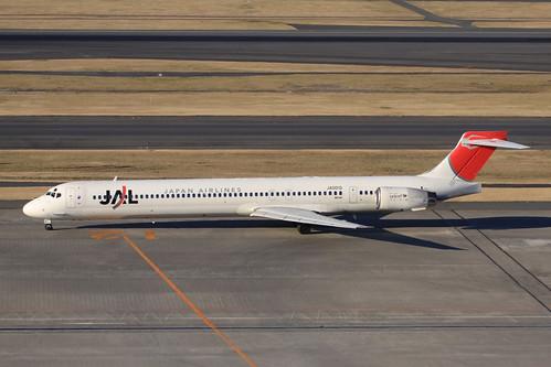 JAL MD-90-30(JA001D)