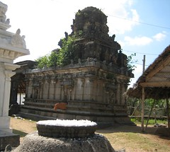Back side of the Mahalakshmi shrine (by Raju's Temple Visits)