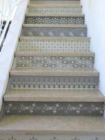 espelho de escada com azulejo