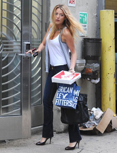 BlakeLively AmericanEagle Jeans $29.30
