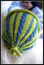 Charlie's Cabled Tie Topper