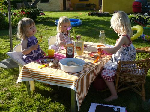 The girls at dinner