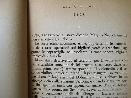 Christopher Isherwood, Ritratto di famiglia, Longanesi e C. 1975, p. 15