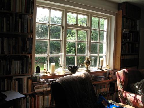 Gliori bookshelves