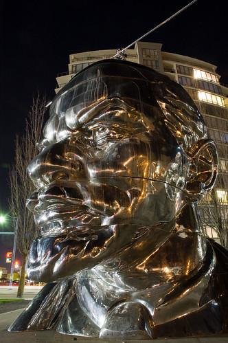 Vancouver Biennale: Lenin & Miss Mao