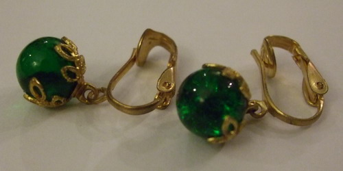 Vintage Earrings Crown Baubles Green small
