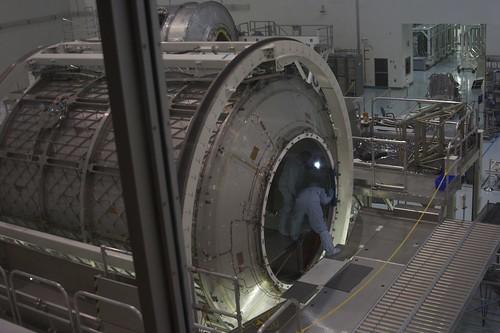 Technicians prepare MPLM Leaonardi for Permanent Fixture on ISS