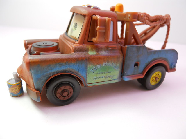 disney cars loose chase mater with oil can (2)