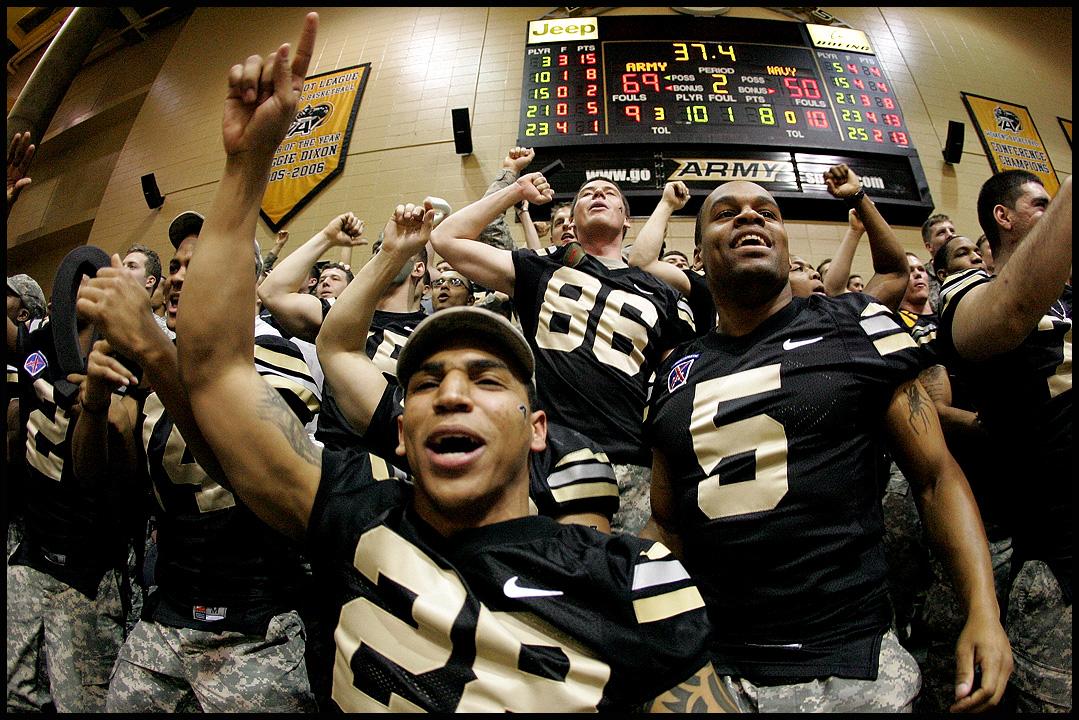 Army football celebrates