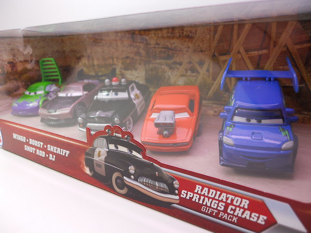 DISNEY CARS TOYS R US RADIATOR SPRINGS CHASE SET  (2)