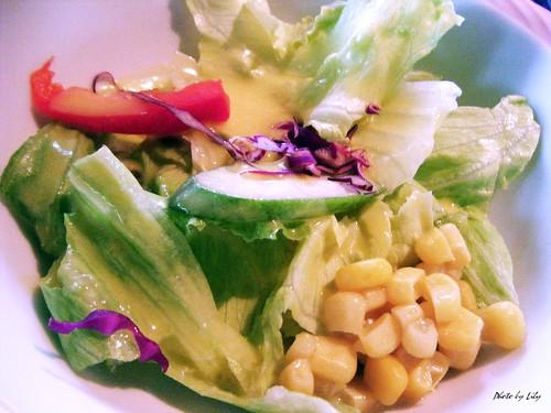 前菜的生菜沙拉。