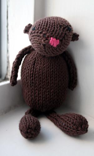 Arna, the knitted bear