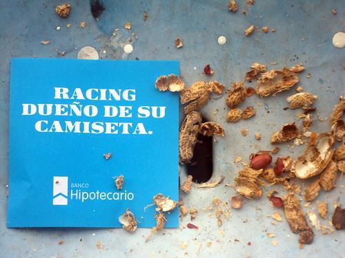 RACING DUEÑO DE SU CAMISETA