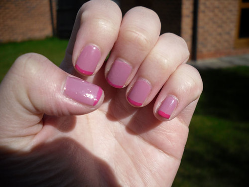Cherry yoghurt nails.