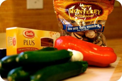 zucchini, garlic pasta
