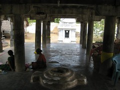 Main mandapam (by Raju's Temple Visits)