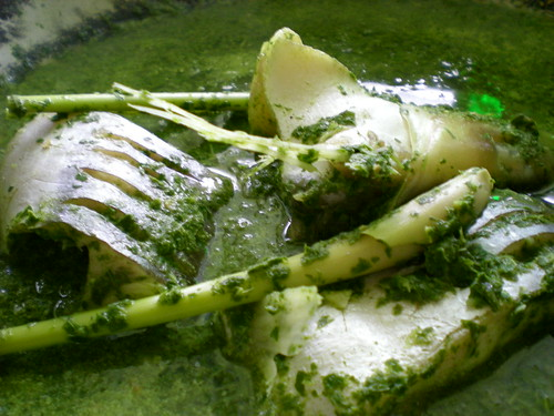 Cooking tapioca leaves 4